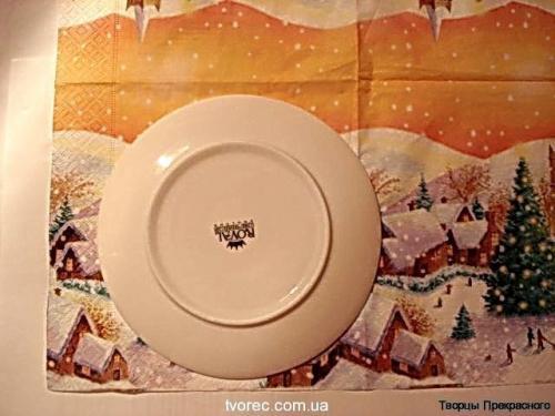 Зимняя тарелочка с эффектом снега 1