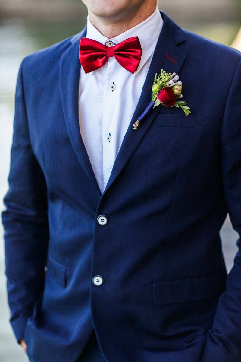 758aa103758e Стиль мужского костюма на свадьбу должен соответствовать платью невесты.  Поэтому дама должна сделать выбор первой. Жениху необходимо учесть  особенности ...
