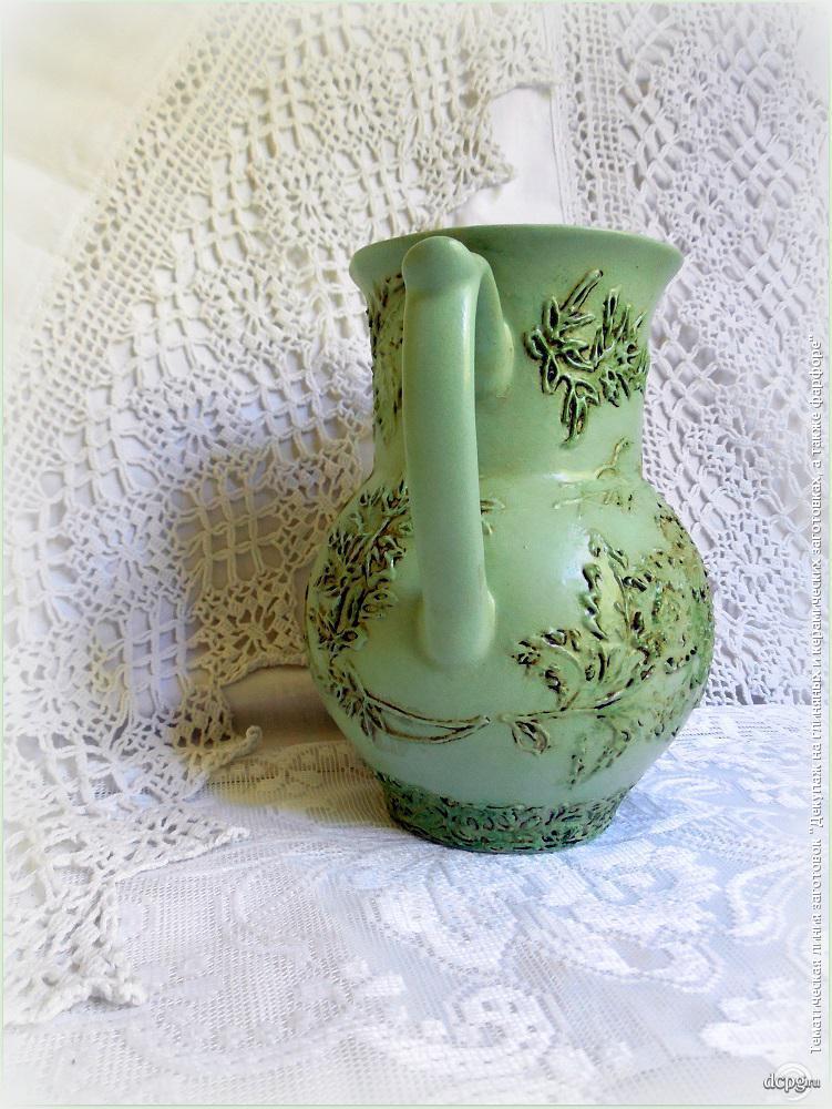 Декупаж на глиняной вазе