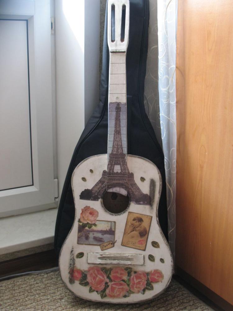Декупаж на гитаре