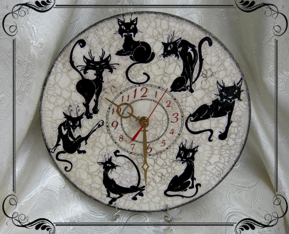 Часы декупаж коты