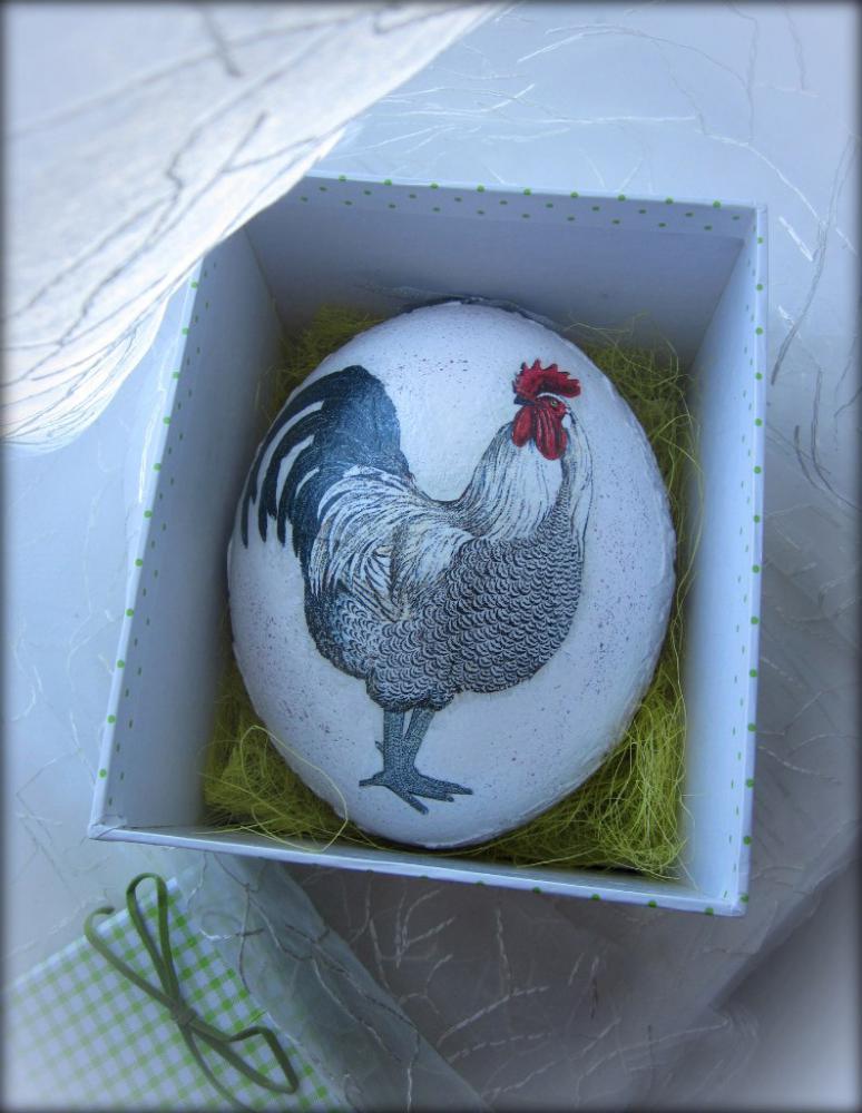 Страусиное яйцо на Пасху.